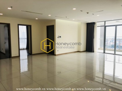 Spacious and airy apartment is waiting for you to decorate in Vinhomes Central Park